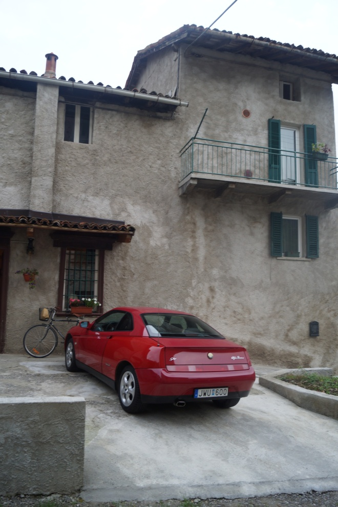 parking from entrance, the Alfa Romeo GTV