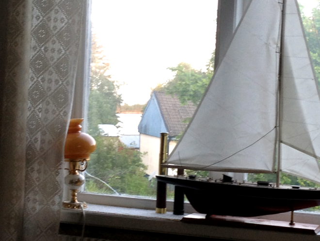 partial sea-view from dinningroom