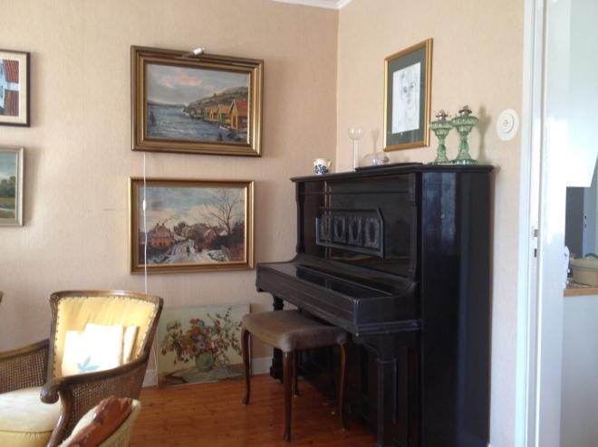 r livingroom IMG_3700